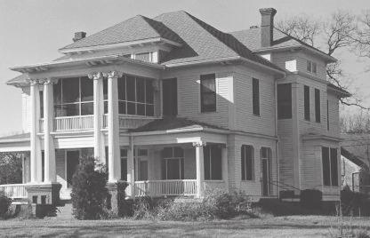 Raphael House/500 W. Ennis