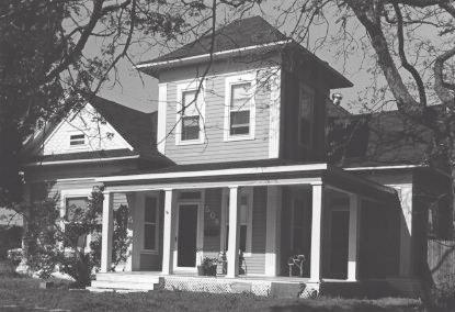 House at 404 North Dallas
