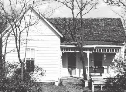 House at 806 South Dallas